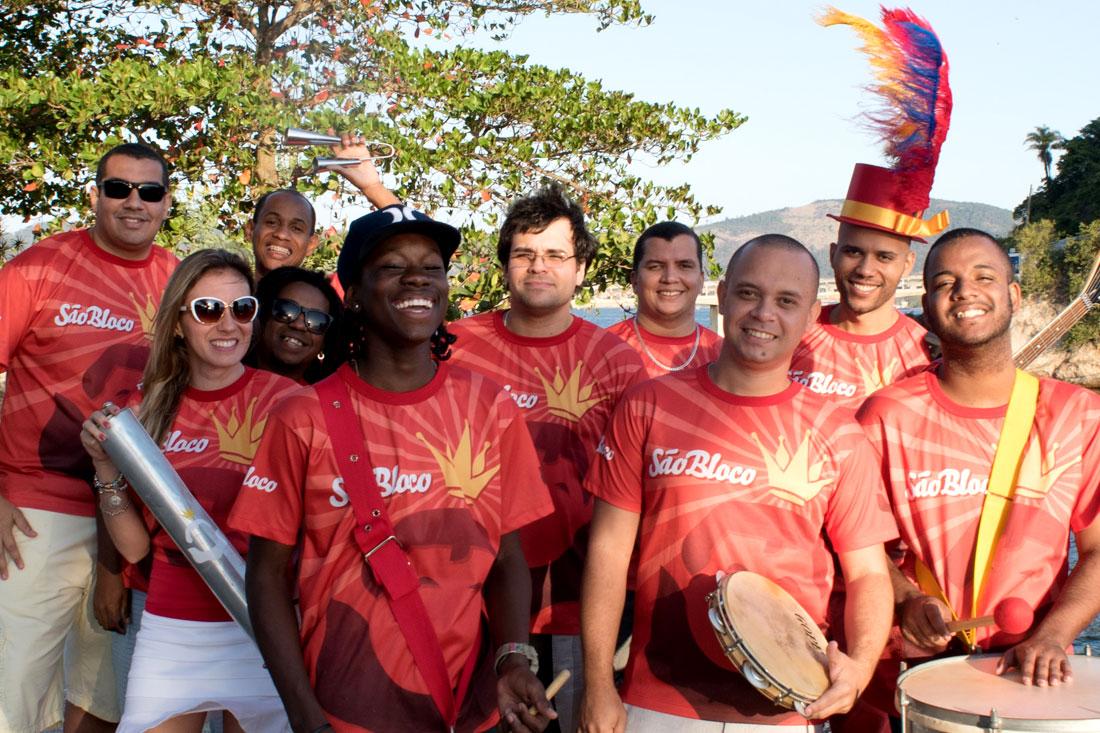 São Bloco é um milagre musical em meio ao carnaval.