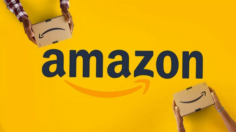 A marca da Amazon contempla um logotipo com o nome da empresa legível mais um símbolo gráfico, que é a seta, que simboliza duas coisas: a logística dos produtos e tenta criar um sorriso também.